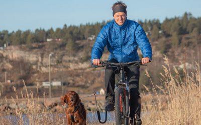 hund sykkel tur springer
